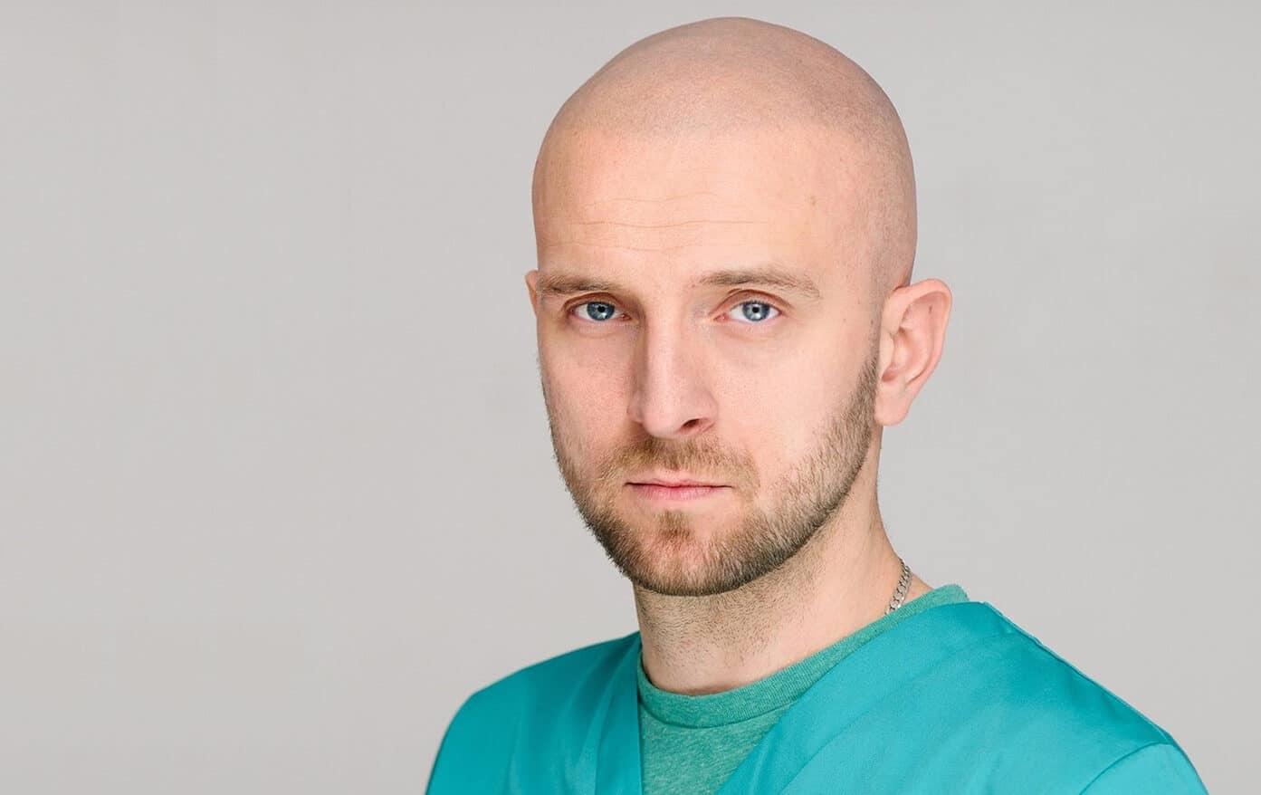Krzysztof Reczyński doświadczony specjalista mikropigmentacji skóry głowy